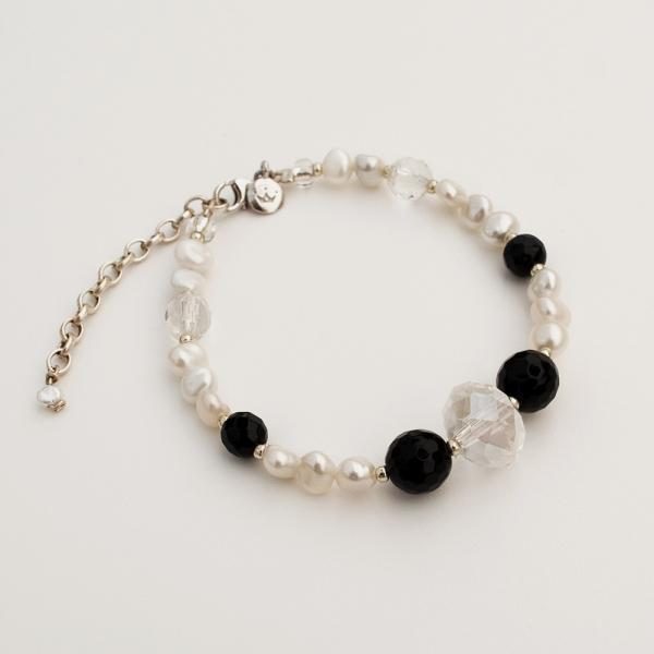 Monochrome Keshi Bracelet
